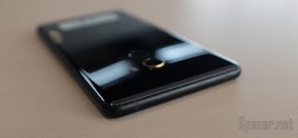 Desain Xiaomi Mi Mix 2