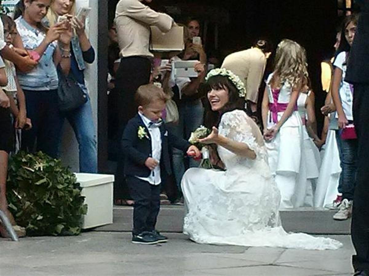 La cantante Elisa e  convolata  a nozze con il suo compagno Andrea Rigonat  sabato 5 Settembre a Grado.Il matrimonio in forma privata oltre a familiari  e ... 1d8c50617b04