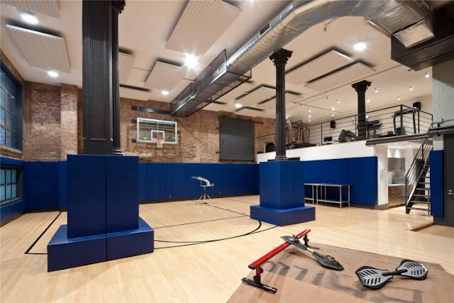 Photo of private gym and basketball court in the Tribeca triplex