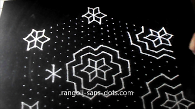 Big-rangoli-with-21-dots-141ac.jpg