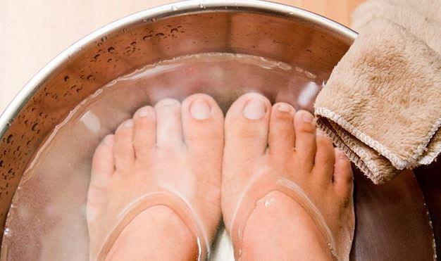 وصفات لعلاج تورم القدمين %D8%A7%D9%84%D9%85%D