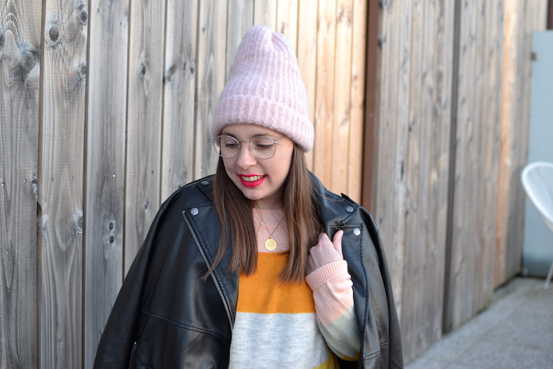 perfecto monki, pull a rayures pastel H&M, bonnet rose zara