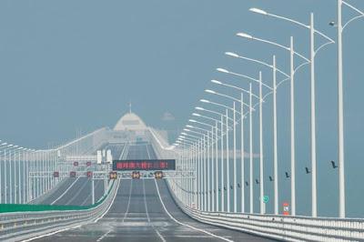 चीन में बना विश्व का सबसे बड़ा समुद्री पुल : लंबाई 54 किलोमीटर