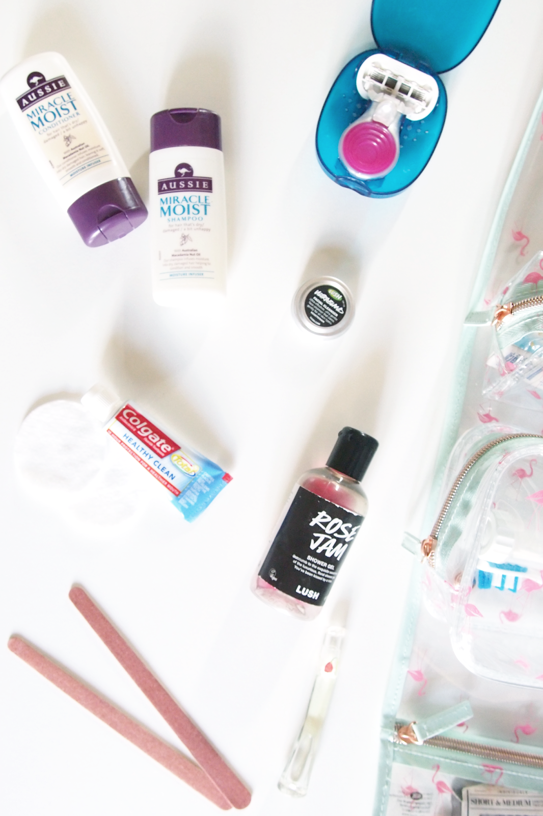 rljlowe | Weekend Wash Bag Essentials