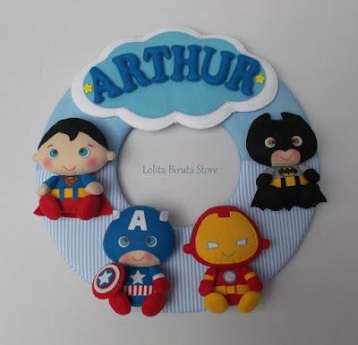 Enfeite porta maternidade com tema super heróis