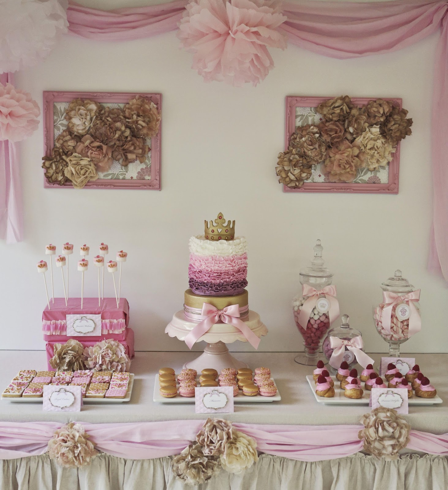 Bubble And Sweet: Pink And Gold Decorated Shabby Chic