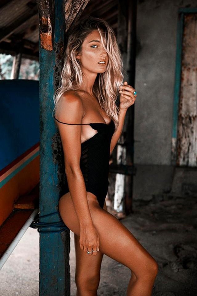 the model Sophie Taylor 0008