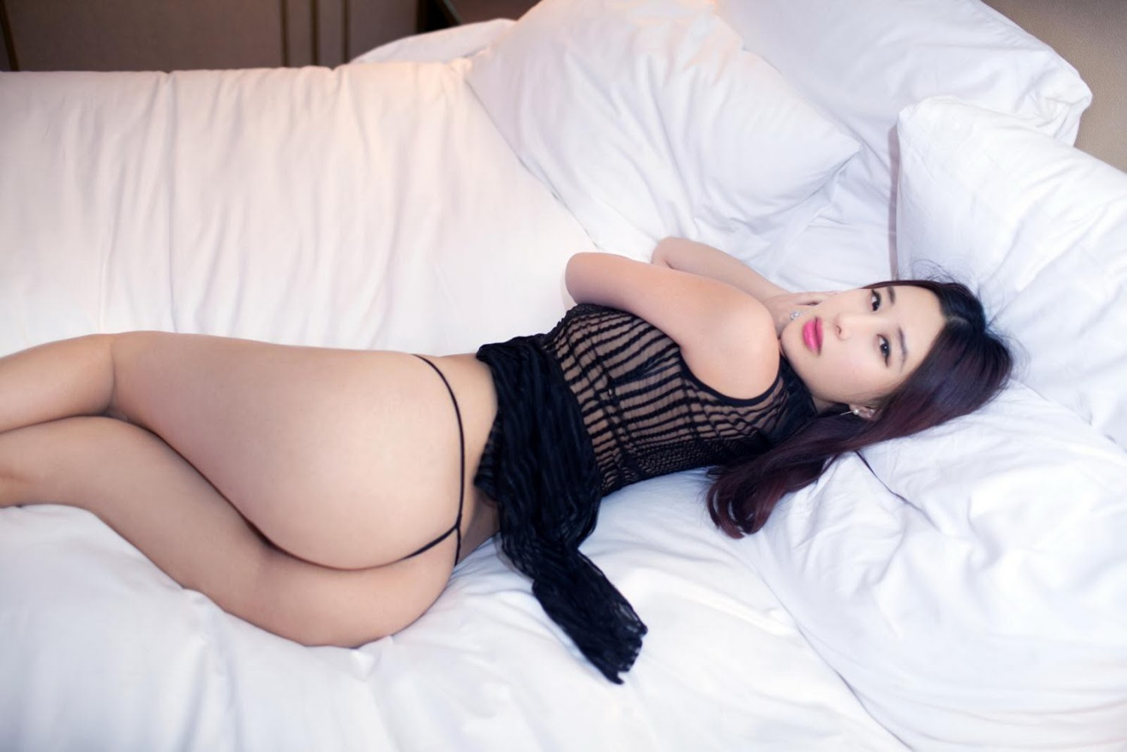 chinese-naked-with-g-string