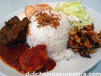 Cơm trộn Nasi Padang Singapore