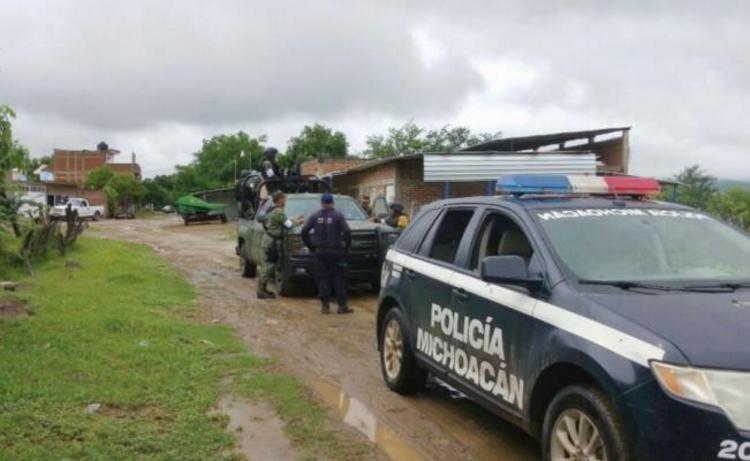 """""""El Gastón"""" líder de """"Los Viagras""""  huye cobardemente abandonando a su suerte a 13 familiares que iban a ser incinerados en Michoacán"""