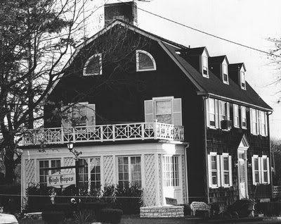 Rumah-Sarang-Hantu-The-Amityville-Horror