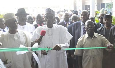 Buhari praises Oshiomhole