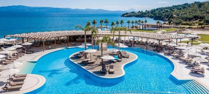 Το ξενοδοχείο στη Χαλκιδική που θυμίζει... Γαλλική Πολυνησία