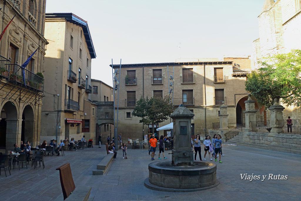 Plaza Mayor de Viana, Navarra