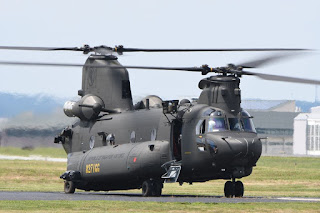 Helikopter CH-47F Chinook