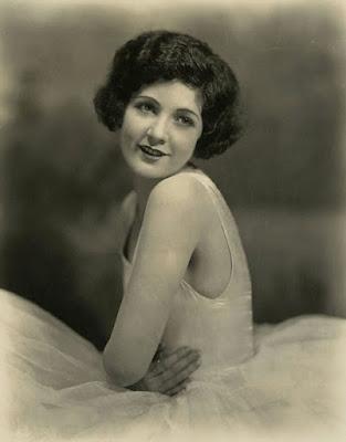 Мерна Кеннеди (07.09.1908 - 20.12.1944)