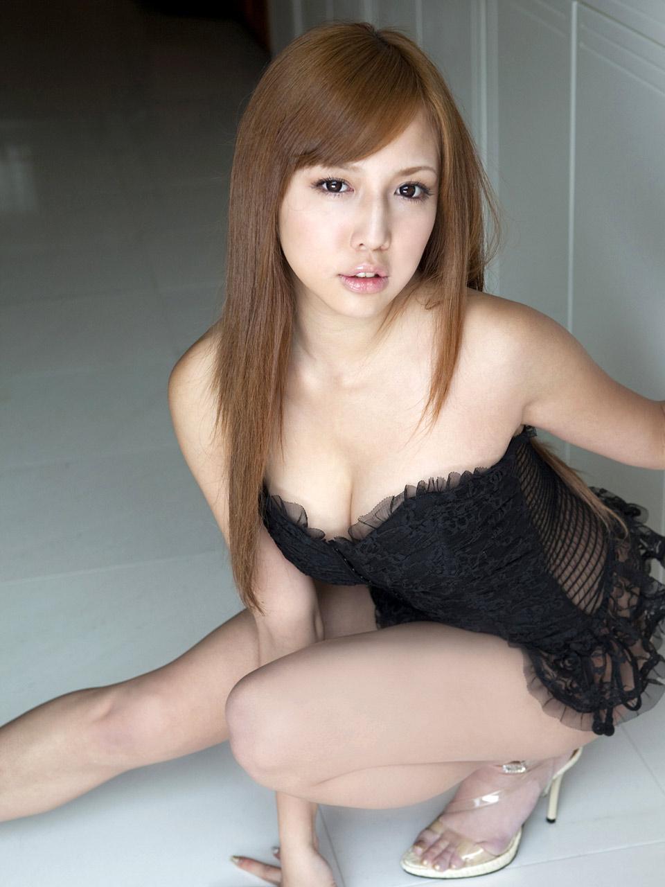 manami marutaka sexy lingerie pics 03