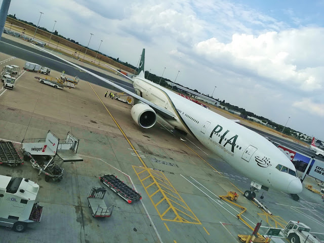 AP-BID - Boeing 777 - Pakistan International Airlines