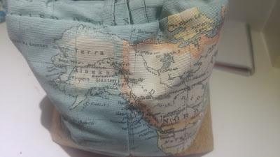 neceser loneta mapa mundi corcho modistilla de pacotilla sewing camp cal joan bolso doctora botones boquilla viaje