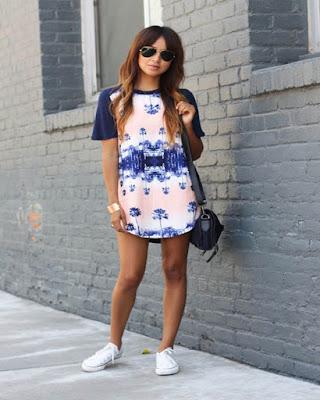 outfit de vestidos con tenis de verano