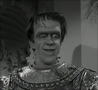 The Munsters - Munster Masquerade - Herman Wins Prize