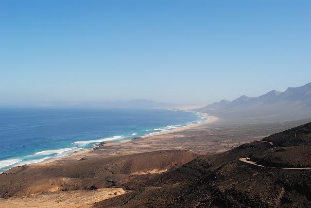 playa de cofete en fuerteventura - vistas desde la degollada