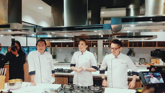 Chef Yang Akan Membimbing Saat Cooking Class