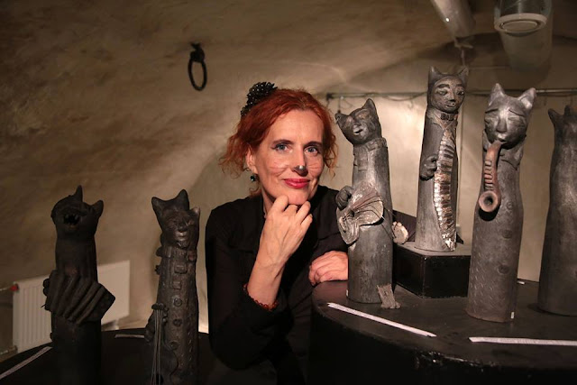 #AideLL #Aideleit #exhibition #rakuceramic #cats #catconcert #art #catceramic