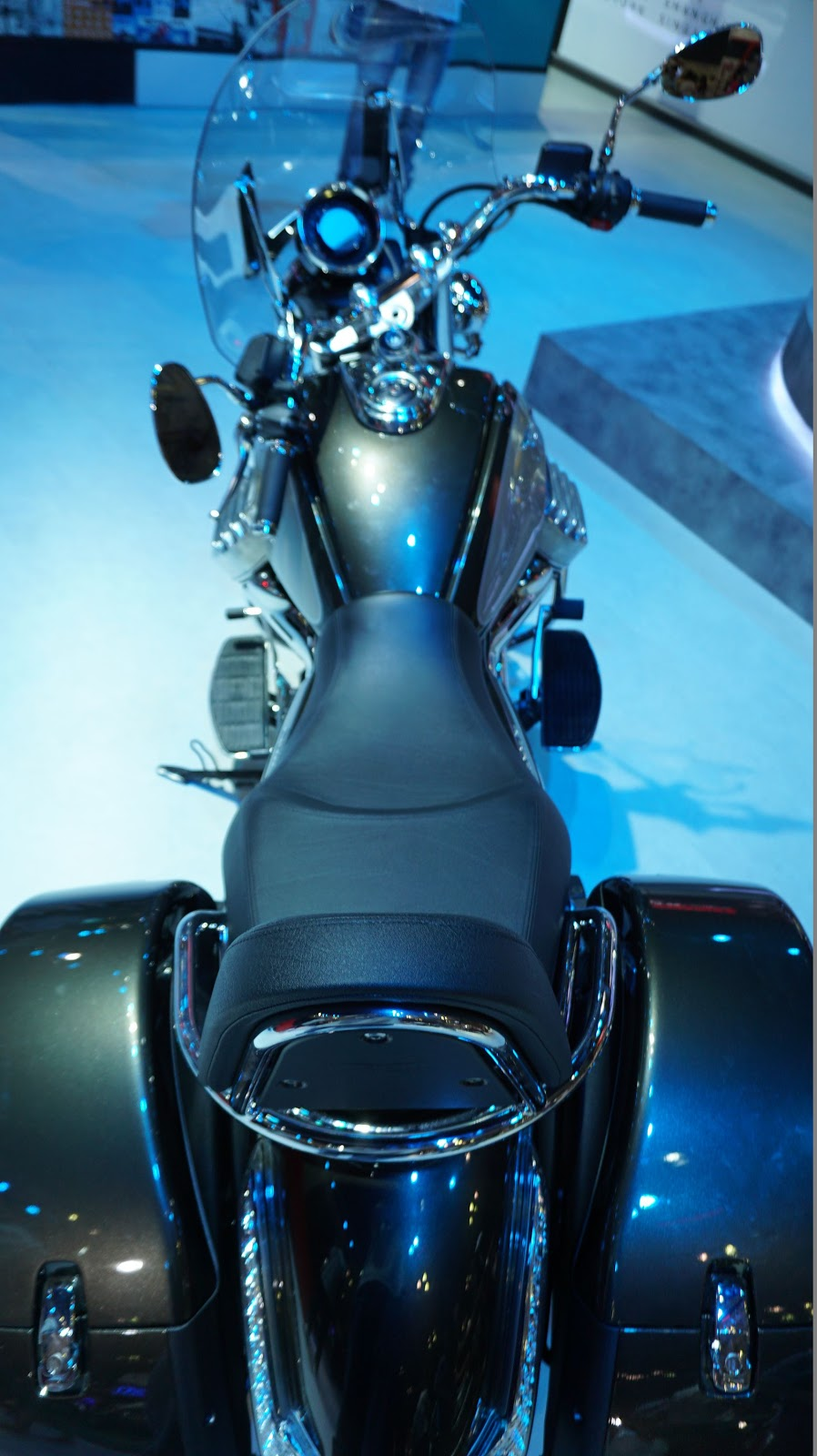 Quá tuyệt khi rong ruỗi mọi nẻo đường cùng Moto Guzzi California Touring SE