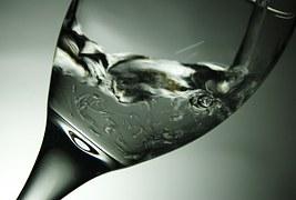 banyak-minum-tips-pola-hidup-sehat