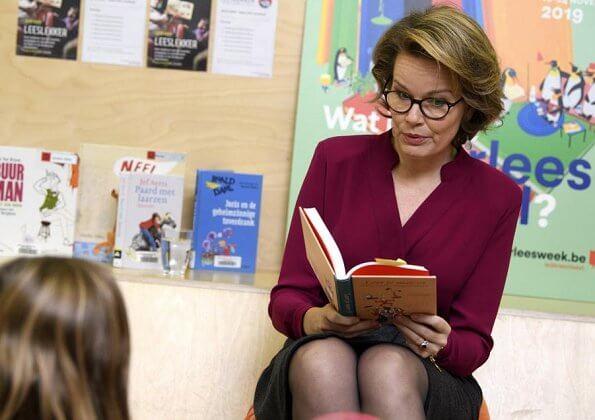 Queen Mathilde visited De Poort Library (Bibliotheek De Poort) in Berchem in the Reading Week