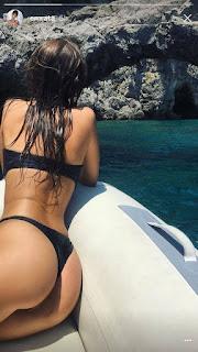 Sexy Emily Ratajkowski in Italy