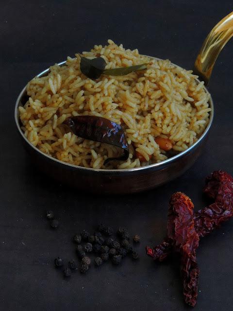 Miriyam Pulihora,Pepper Tamarind Rice