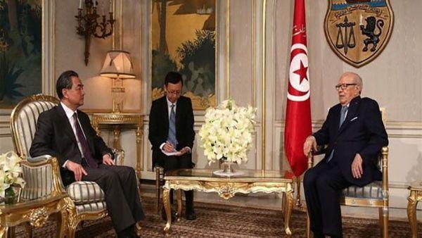 Túnez y China firman acuerdo para cooperación médica