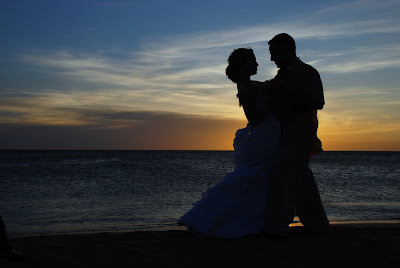 Romantic couples dancing in sea shore,kissing couple images,sweet loving couple images,Romantic cute sweet couple images Nice love images, Love couple images, Real love images, Love cute images, Romantic images,  Hug Images, Lovely romantic images, 4truelovers images,Love cute images