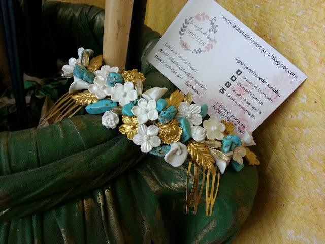 peineta estilo romántico con alegres colores para novia