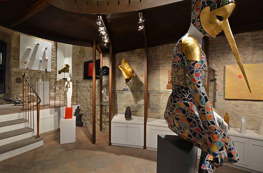 Estremamente iSculpture, la Galleria d'Arte Contemporanea di sola Scultura  YZ37