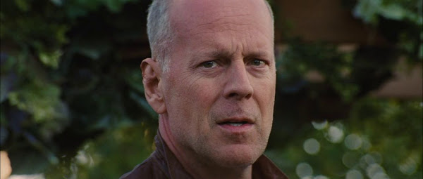 Screen Shot Of Hollywood Movie Looper (2012) In Hindi English Full Movie Free Download And Watch Online at worldfree4u.com