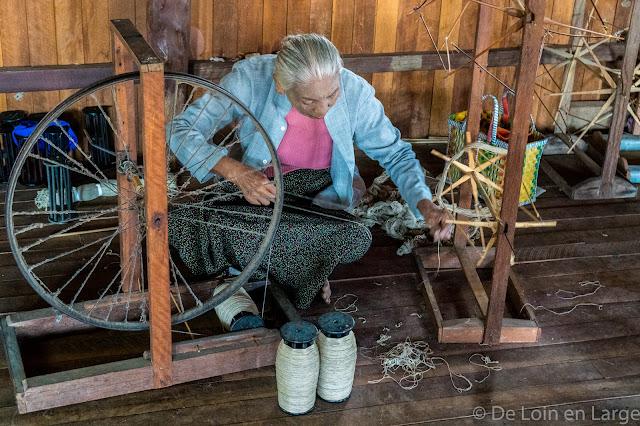 Atelier de tissage - Inn Paw Khone -Lac Inle - Birmanie Myanmar