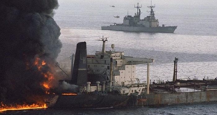 Κόλπος του Ομάν: Βυθίστηκε το ένα από τα δυο τάνκερ – Σώθηκε το πλήρωμα
