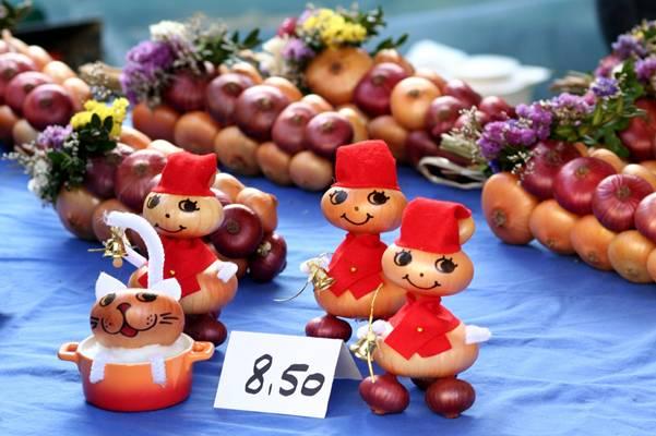 سوق البصل في بيرن (Zibelemäritباللغة الألمانية)  Image064-726092