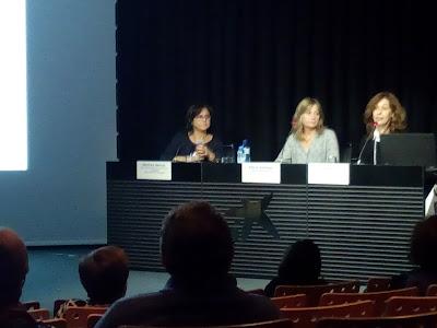 Montse García, de la Xarxa, amb les responsables dels altres dos tallers: Entrenament emocional (Training emocional) Alicia Vallespí i Atenció plena (Mildfulness) Esmeralda.