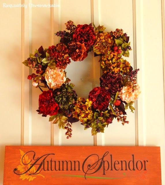 Autumn Splendor sign and colorful fall wreath