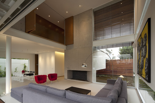 Modern open living room in the FF House in Mexico