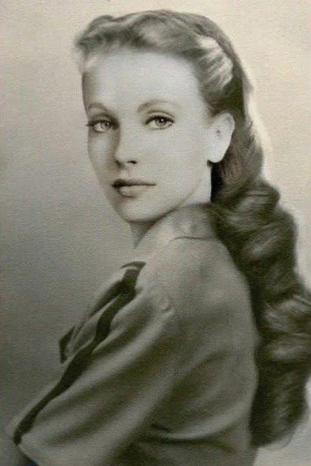 Resultado de imagen de María Orsic: La bella médium que habría conseguido tecnología alien para la Alemania Nazi