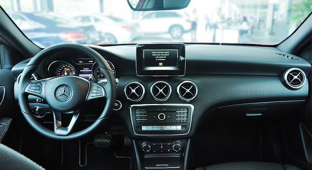 Bảng Taplo Mercedes A250 2019 thiết kế trẻ trung hiện đại