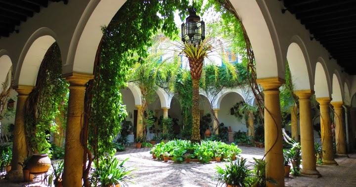 Marzua decorar un patio andaluz - Azulejos patio andaluz ...