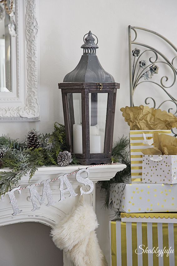 silver and gold christmas decorating