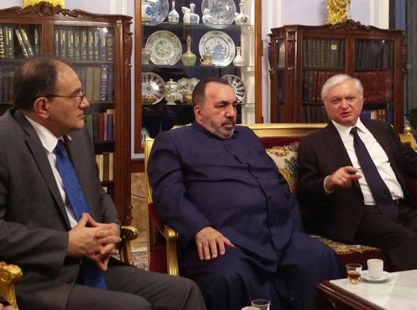 Nalbandian visita el patriarcado armenio de Jerusalén