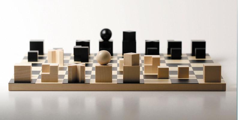 Tablero y piezas de ajedrez bahuaus de josef hartwi for Bauhaus madera a medida
